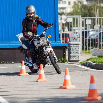 Les épreuves du permis moto A1 à Fonbeauzard